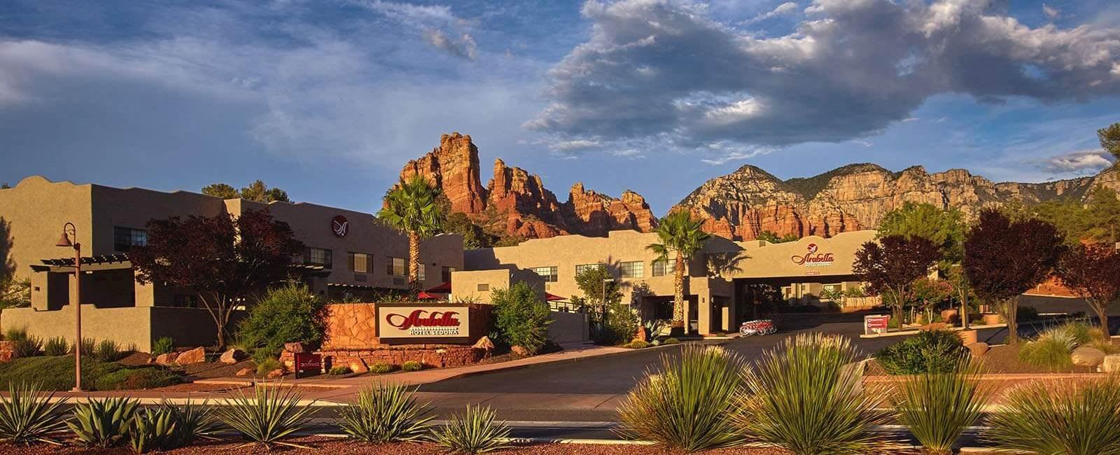 <アメリカン航空> アメリカの大自然を満喫できるアリゾナ州セドナ 【アラベラホテル】4泊 朝食・送迎付き カード決済OK!