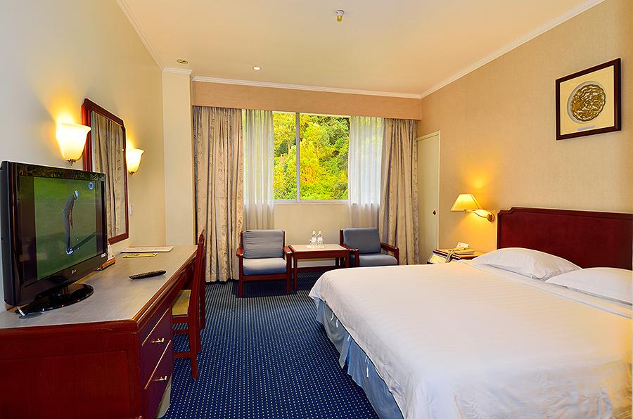 ホテル・シャングリラ(デラックス)に泊まる コタキナバル 4泊6日 朝食・送迎付き・カード決済OK