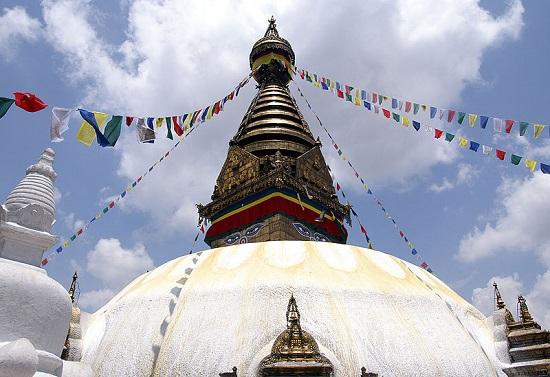 【成田発着】ネパール・ヒマラヤと世界遺産古都探訪 6日間