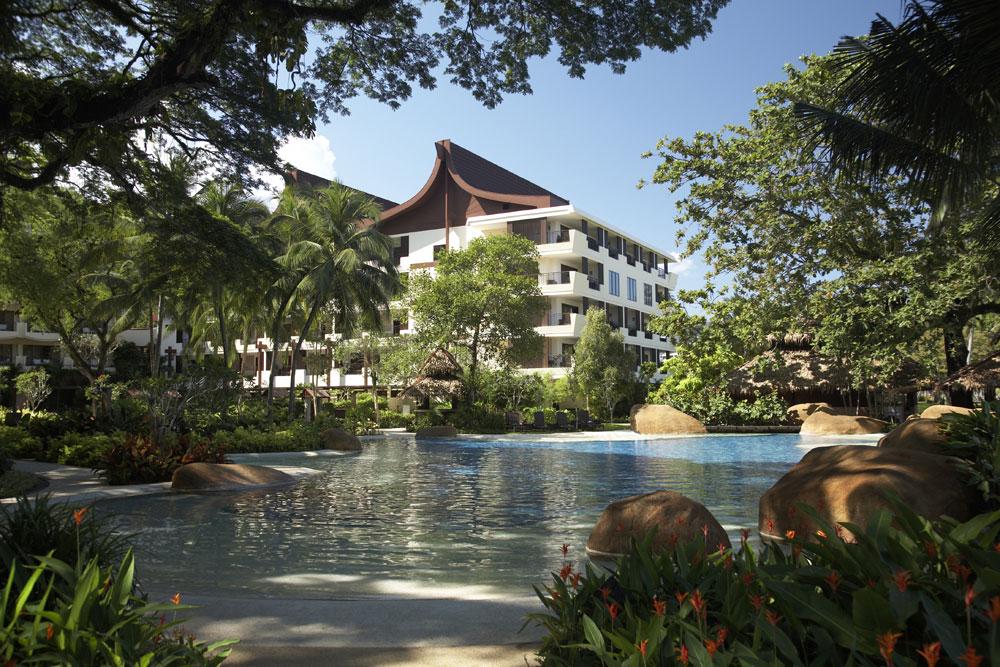 【ビーチも街も満喫のマレーシア2都市6日間♪】ペナン島 シャングリ・ラ・ラサ・サヤン(ガーデンウイング・デラックスガーデンビュー)2泊&クアラルンプール イスタナ(デラックス)2泊 4泊6日 朝食・送迎付き・カード決済OK